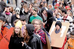 Rua de Carnaval al Putxet. Fotografia Javier Sardá