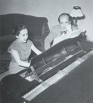 Alícia de Larrocha i Xavier Montsalvatge, a l'Acadèmia Marshall.