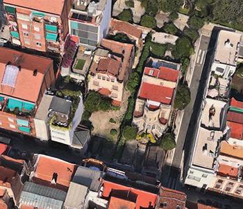 Les dues torres del carrer Bertran que feien cantonada amb el carrer Fidel Fita que van ser enderrocades l'estiu de 2013.