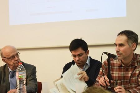 D'esquerra a dreta, Jordi Llorach, Gerardo Pisarello i Joan Manel del Llano. Fotografia de Carme Rocamora
