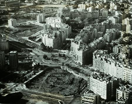 Fotografia aèria de 1960 de la plaça Francesc Macia amb avinguda Diagonal. Fotografia: autor desconegut - Arxiu Fotogràfic de Barcelona (AFB)