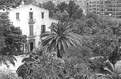 La masia de Can Castelló els anys seixanta.  Fotografia cedida pel Centre Cívic de Can Castelló
