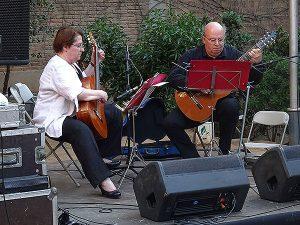 El concert de guitarres dels jardins Marià Manent. Fotografia: Montse Bestue