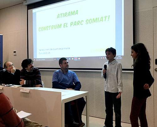Alumnes de l'escola Projecte van presentar un treball de millora del Parc de la Tamarita. Fotografia de Carme Rocamora
