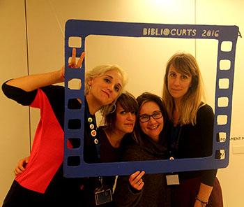 D'esquerra a dreta, la Laura, les directores Maria L. Rovira i Paula Sánchez, i la Iliana, en el photo-call. Fotografia de Juanjo Compairé
