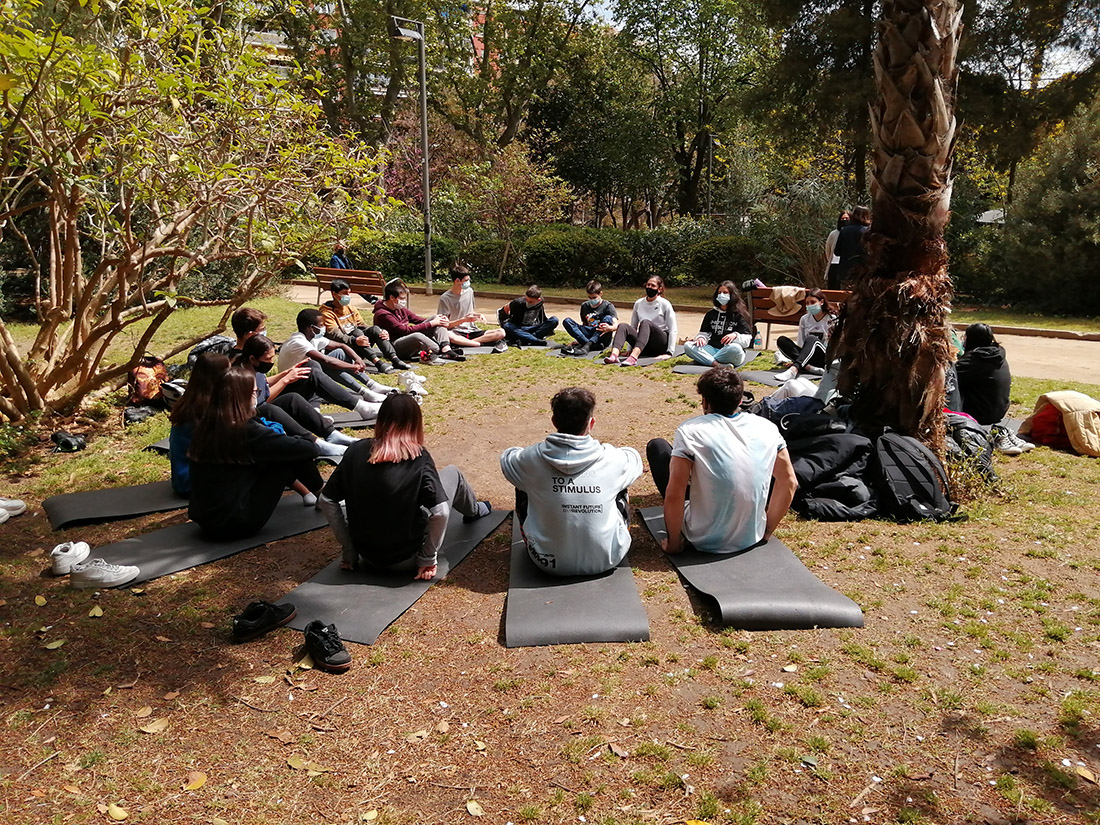 Meditació al Turó Parc